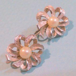 Vintage Crown Trifari Pearl Ribbon Earrings